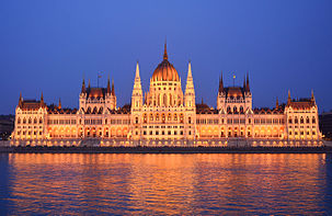 parliament_building_budapest_outside